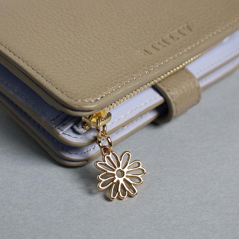 シュリンクレザー「エクラ」二つ折り財布