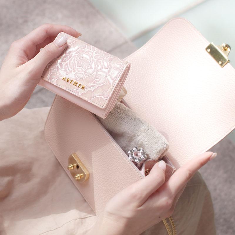 ローズ型押し「シュクレ」ミニ財布(三つ折り)