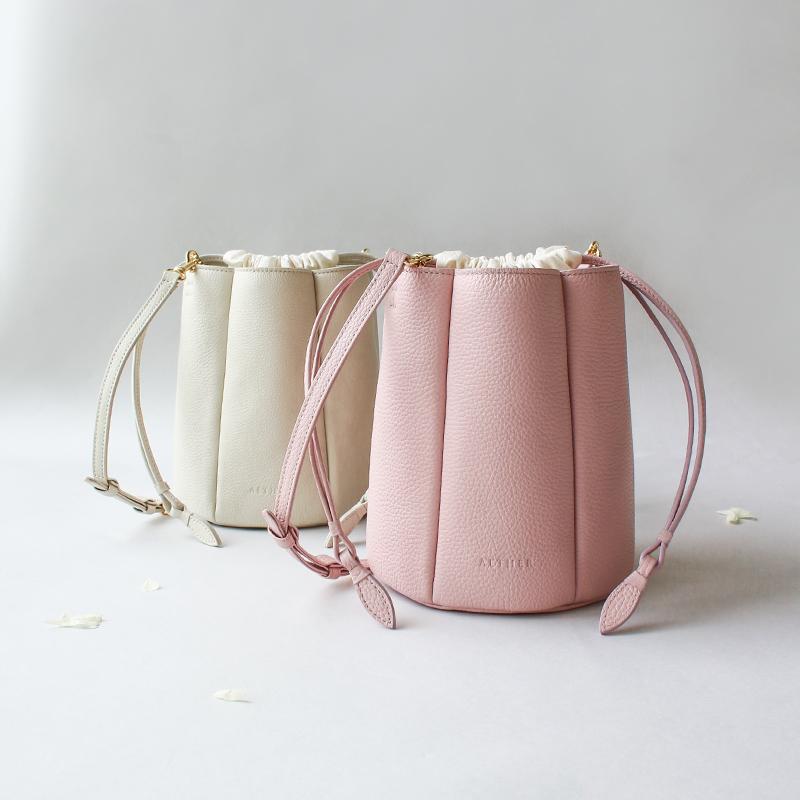 エーテルのプリーツバケツ巾着バッグ