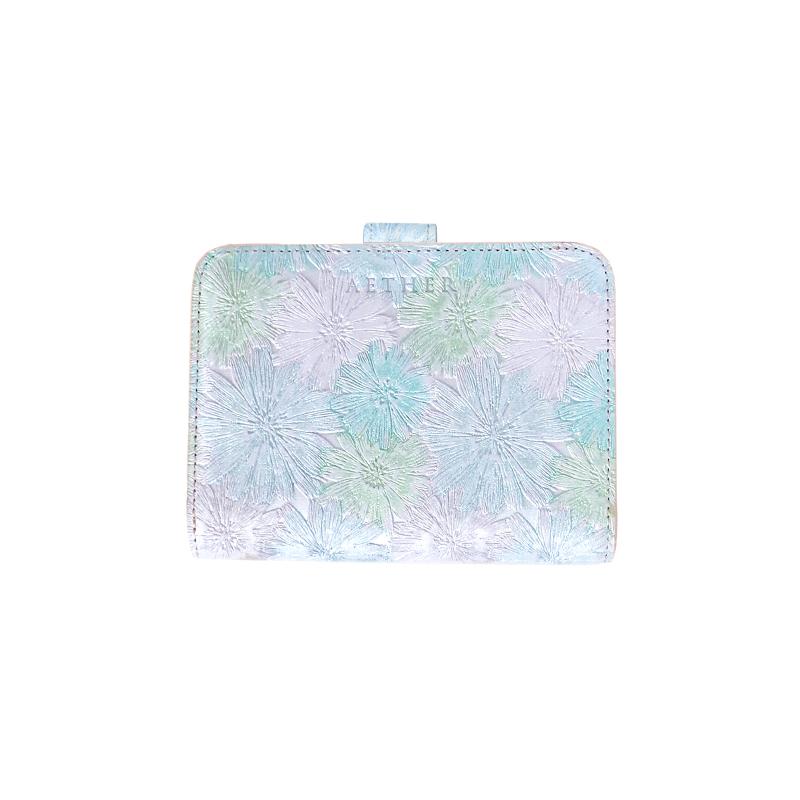 マーガレット型押しレザー「マルグリート」二つ折り財布グリーン