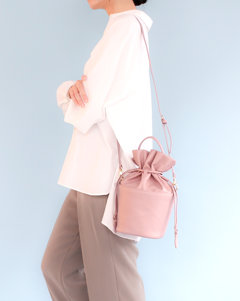 エーテルの本革の巾着バケツバッグ