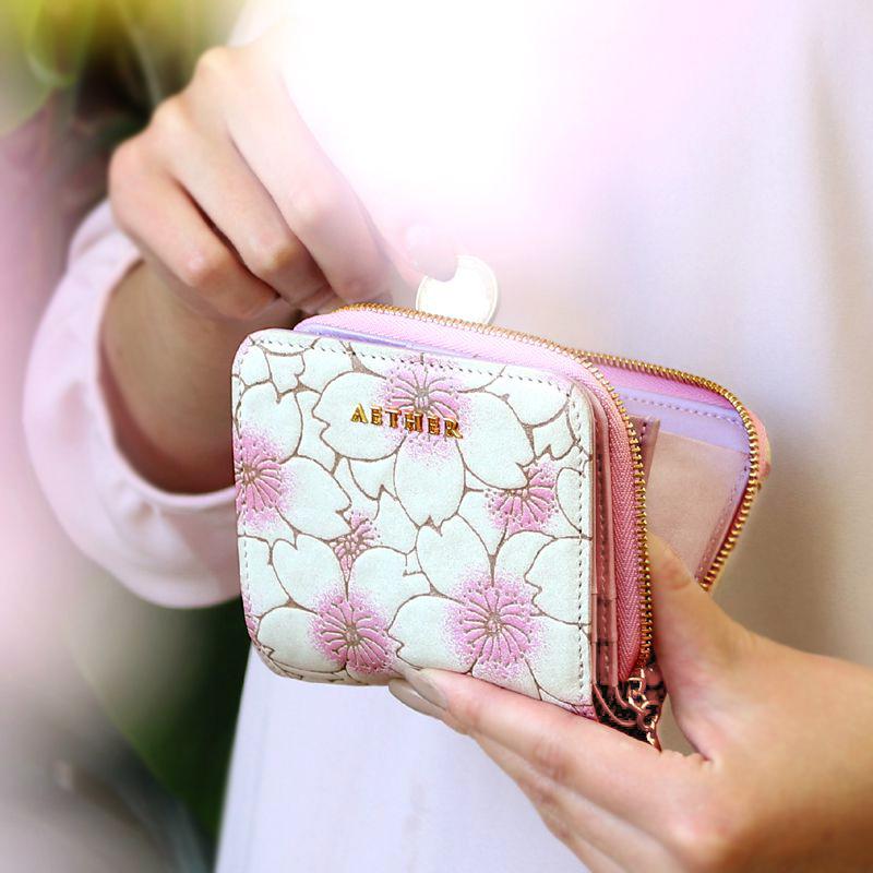 桜柄ヌバックレザー「サクラ」二つ折り財布(ファスナー)