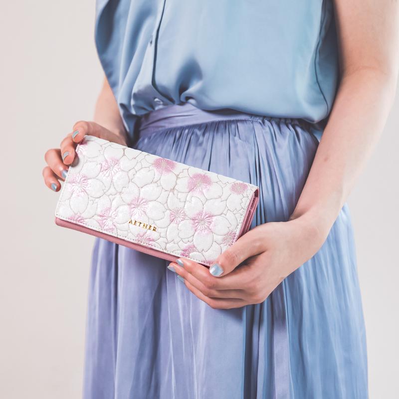 桜柄ヌバックレザー「サクラ」かぶせ長財布