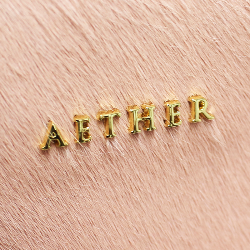 「AETHER」のネームプレート