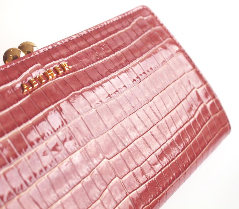エナメルレザー長財布