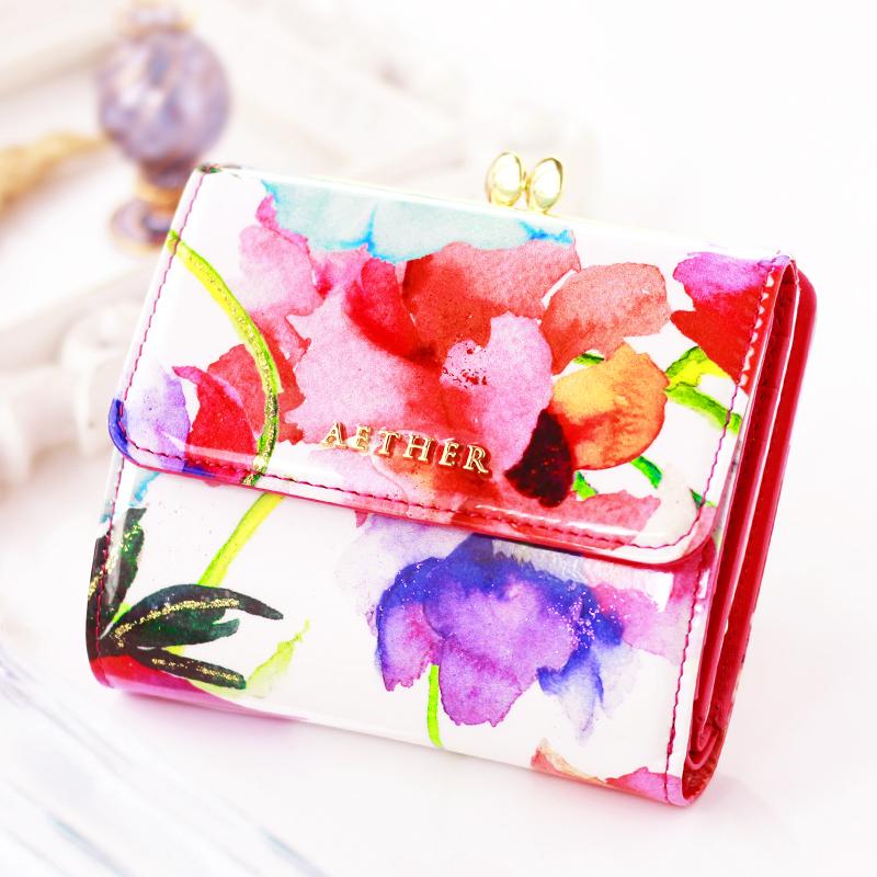 エナメルレザー「ピヴォワンヌ」がま口二つ折り財布