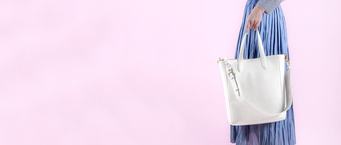 ホワイトカラー(白)の財布