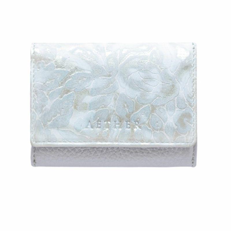 ローズ型押しレザー「シュクレ」ミニ財布(三つ折り) パウダーブルー