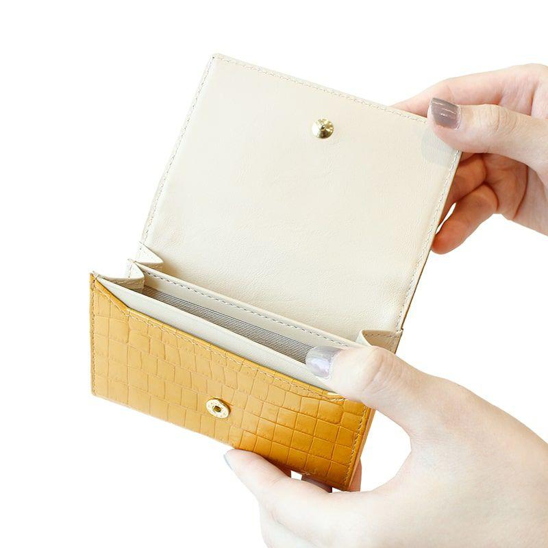 クロコ型押しレザー「ニナ」カードケース アイリス