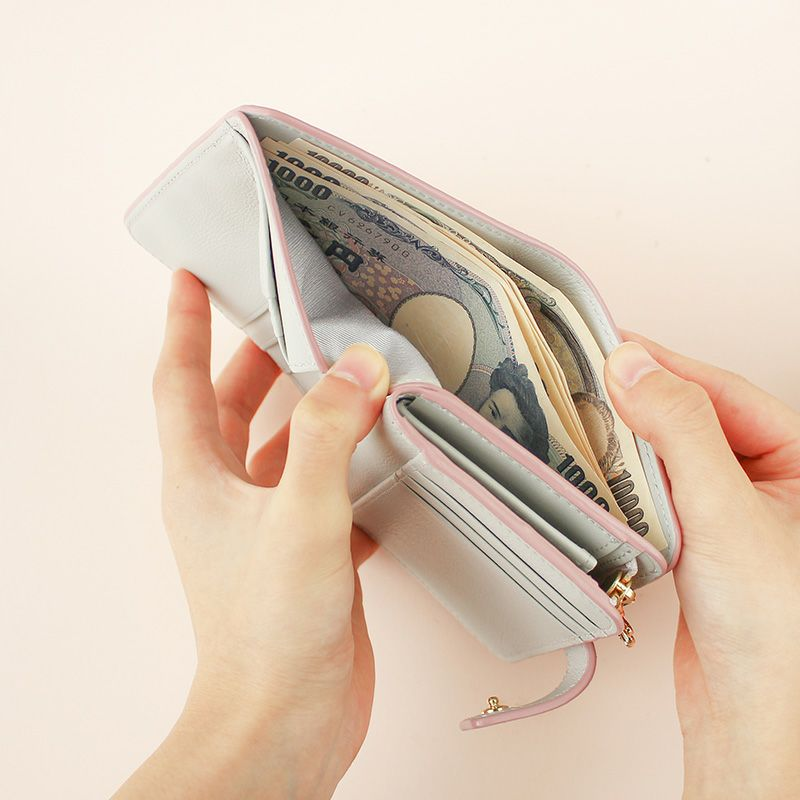 「エクラ」二つ折り財布